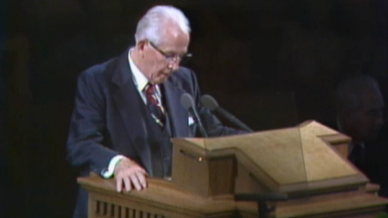 President Ezra Taft Benson speaks in conference, October 1979.