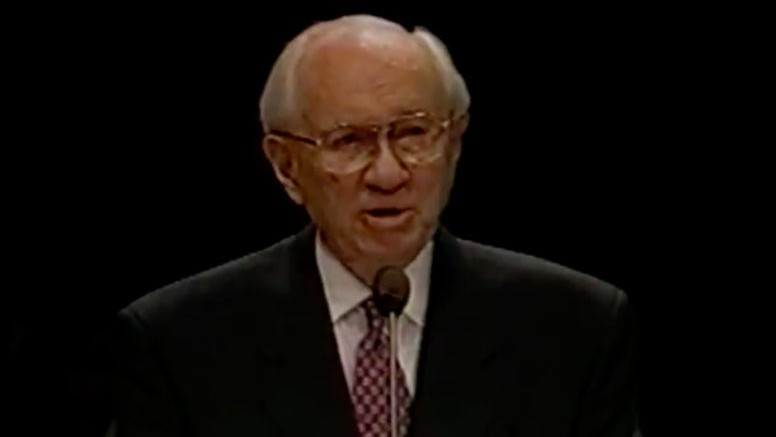 President Gordon B. Hinckley speaks at a Fireside during the annual Provo Freedom Festival, Sunday June 29 1997